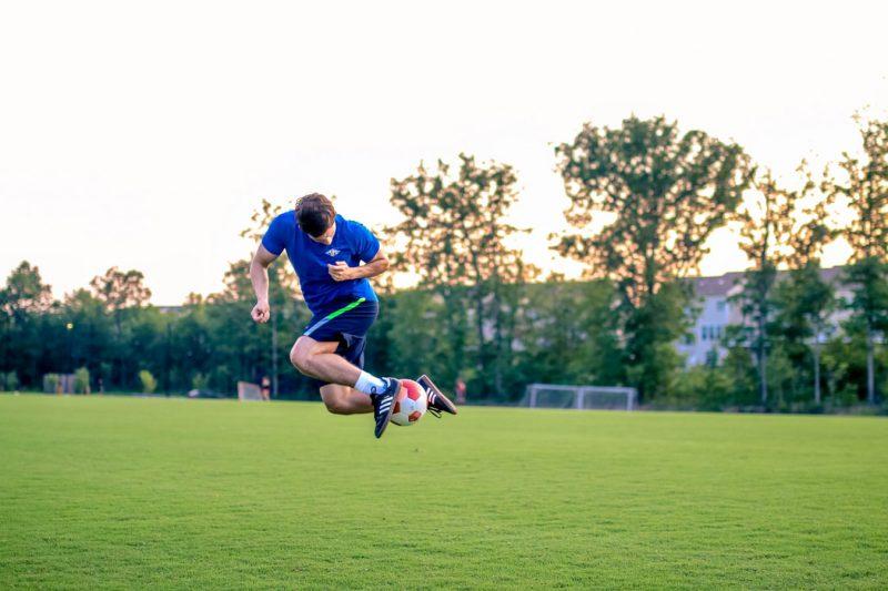 Trik Paling Jitu Memainkan Judi Bola Online